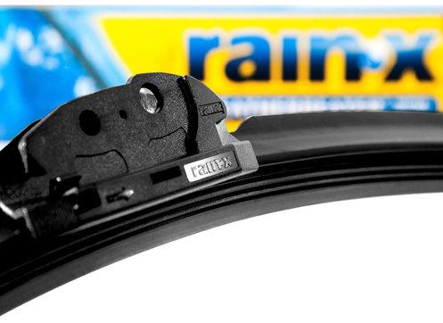 rsz_rain-x-latitude-wiper-blade-4